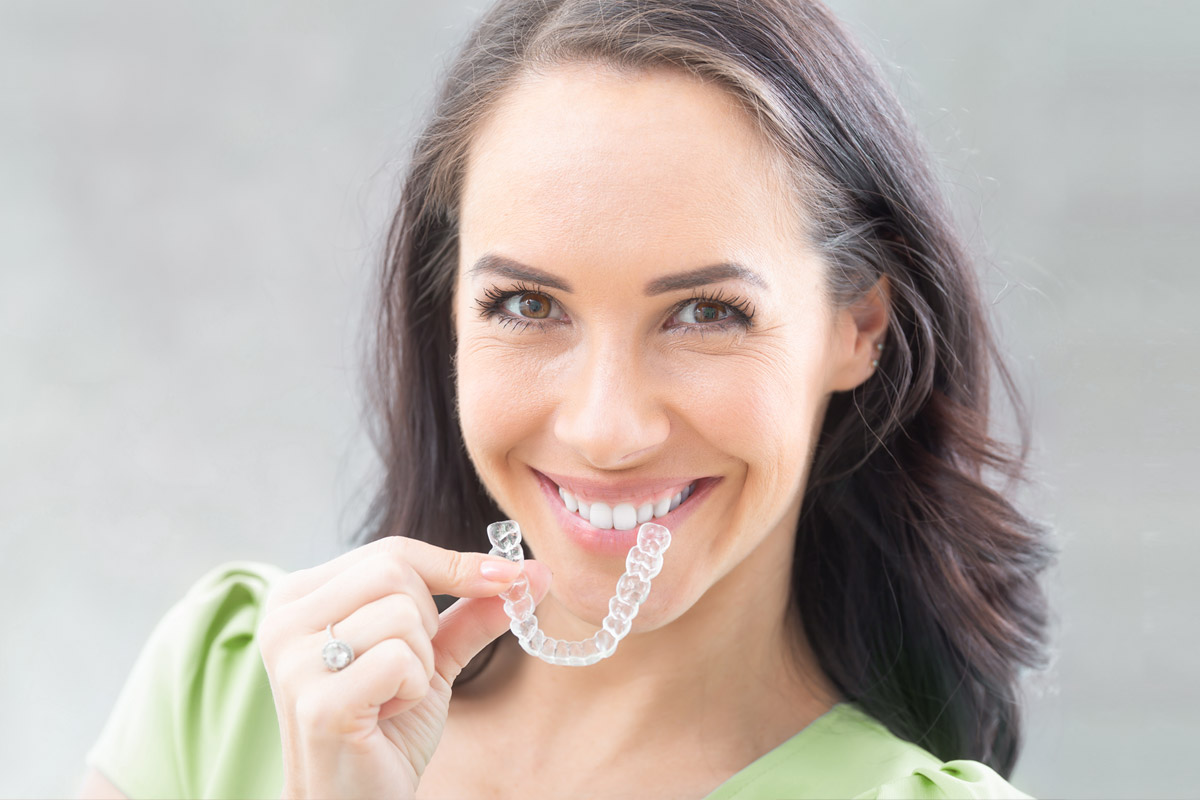 Frau, Zahnschiene